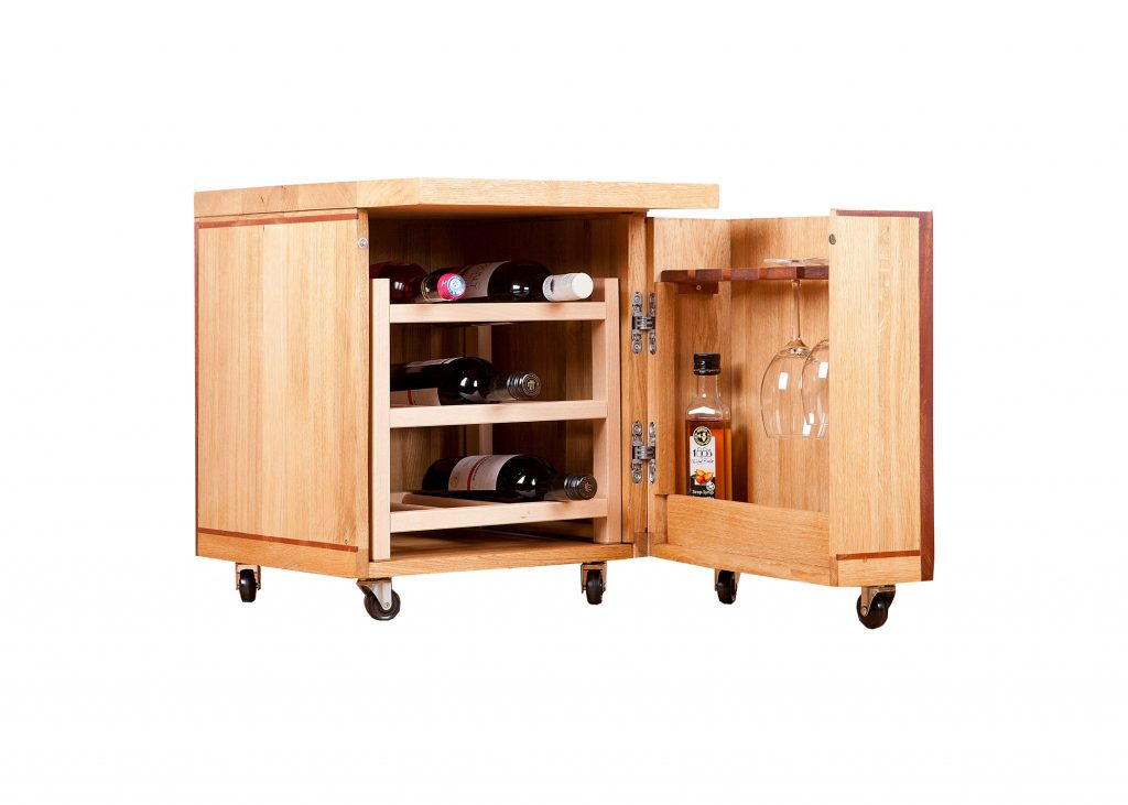 Wijn- Drankkastje van eiken gecombineerd met mahonie, los wijnrek, H 52 x B 40 x D 52 cm